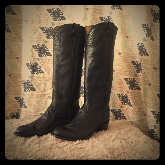 "7ca396c20e0 M.L. Leddy""s Boots!"